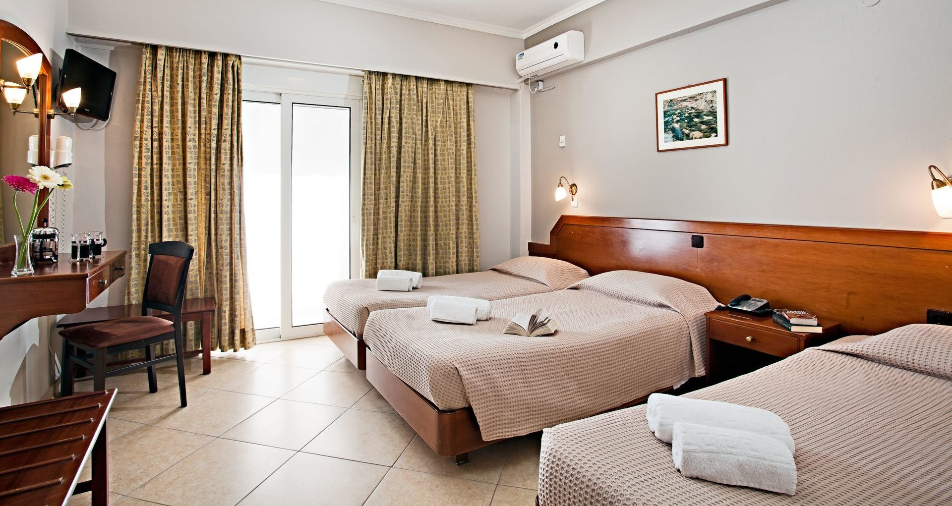 Triple Room Arkadi Hotel Chania city center Crete